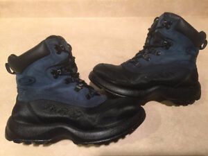 Women's Cougar Winter Boots Size 7 London Ontario image 1