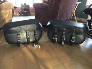 Quick Attach Saddle Bags for Harley Softail