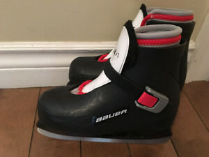 Bauer skates size 12/13 (little boys)