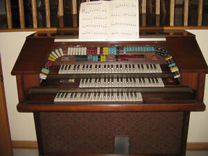 Orgue THOMAS TRIANON with Orchestral Presence