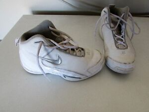 womans nike basketball shoes $20 size 7.5