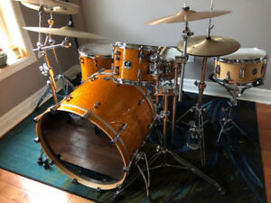 Sonor S Classix drum-set, two snares, cymbals, stands, pedal