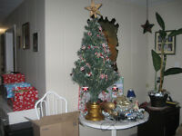 Pre decorated 4 ft optic tree