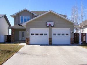2 Storey House in Lakeview Estates Bonnyville