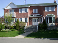 3br  9 1/2 Duplex - Brossard - 15 min to center of Montreal
