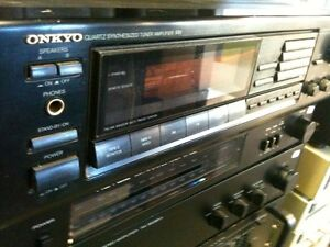 ONKYO receiver 200 Watt Speakers Realistic Turntable