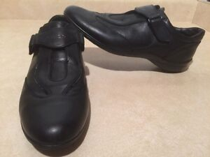 Women's Geox Respira Leather Shoes Size 8.5 London Ontario image 1