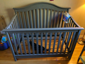 3 in 1 crib, and change table