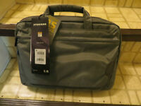 """BRAND NEW Tucano workout slim case - holds13"""" laptop/tablet"""