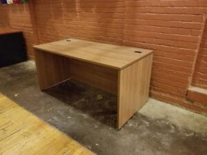 Bureau a donner achetez ou vendez des meubles dans grand
