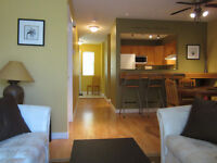 LARGE & PRIVATE MASTER BDRM & ENSUITE in 3 Bdrm Townhouse