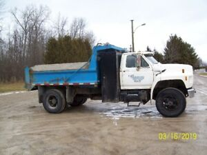 1989 Ford F-800 Single Axle Dump Truck