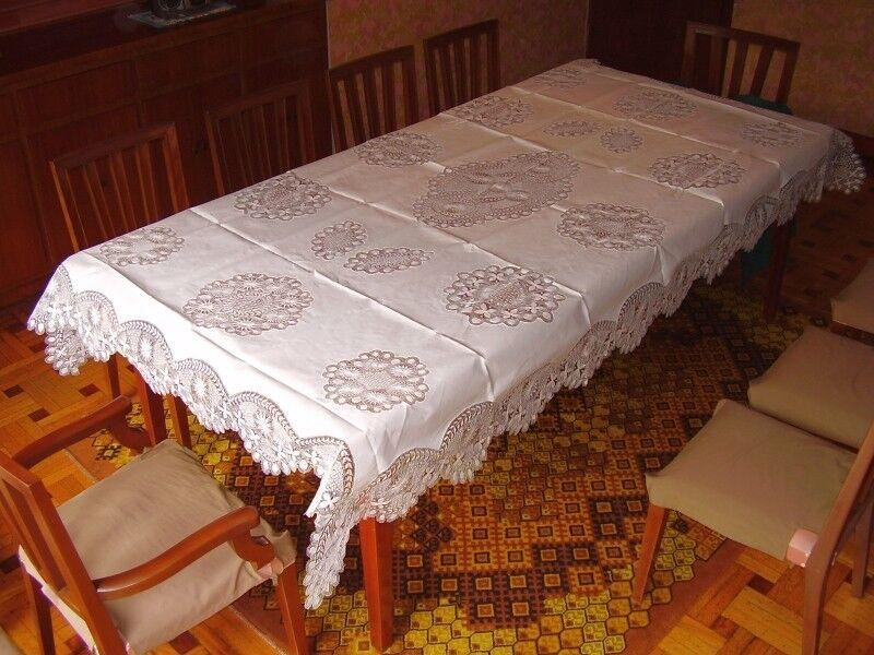 Beautiful Ñandutí tablecloth