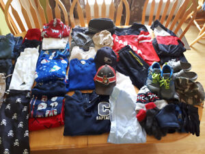 HUGE LOT OF BRAND NAME BOYS CLOTHING SIZE 7-8