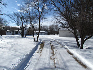 13 Acre River Property 25 from Winnipeg on Pavement