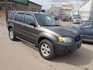 2006 Ford Escape XLT, AWD, auto, loaded, only 171,180 km.