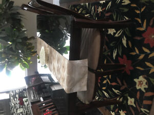 Beautiful solid wood dining table with 6 chairs
