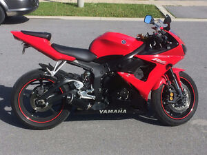 2005 Yamaha R6 - Excellent Condition