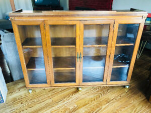 Antique display/China cabinet with gold coloured castors