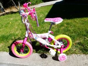 "New Barbie 12"" Girl's Bike + helmet"