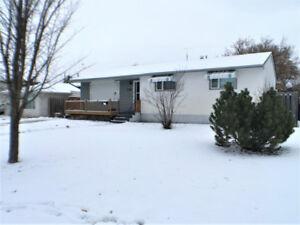 Bungalow, 3 bedroom, 1.5 bath in Portage la Prairie