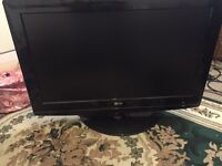 32 LG Tv built in freeview very and hdmi good condition