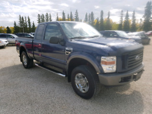 2008 Ford F250. Ext cab. FX4 4WD  5.4V8. $12,900.