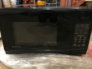 New, never used Microwave Oven – Danby - New -0.9 cu. ft