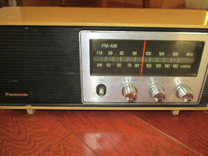 Panasonic am/fm vintage working radio