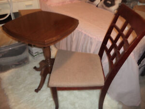 furniture( lovely solid wood vintage table 19x19x29+chair