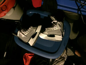 Size 1 Bauer hockey skates