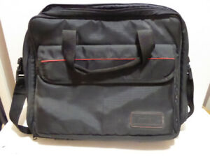 SATCHEL OVERNIGHT CARRYING SUITCASE - EXCEL. COND.