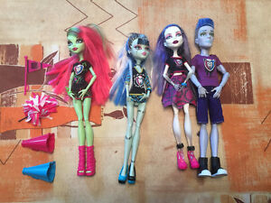 Monster High Ghoul Spirit w/ Original Slo-Mo Christmas