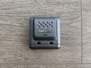 Energizer AA/AAA NiMH Battery Charger (Genuine, Like NEW)
