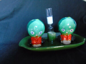 Watermelon Salt and Pepper Shakers with Sand Timer 'Japan' Peterborough Peterborough Area image 1