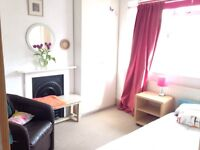 Large single room in family house short let available 16 Dec