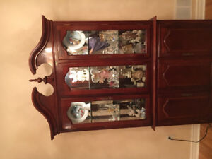 Gorgeous wood display cabinet with veneer finish