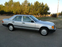 Almost new 1987 Mercedes Benz 300E Sedan