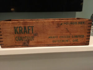 Antique Kraft Canadian Cheese Box