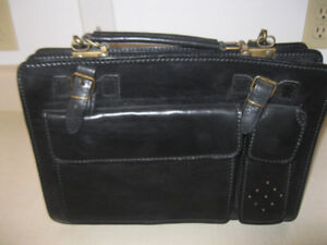 NEW black genuine leather purse brought directly from Italy