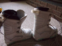 Snowboard boots - Women's thirtytwo, size 7