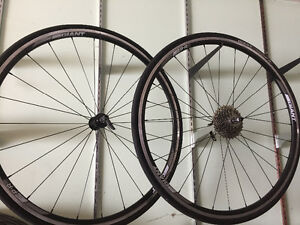 Giant wheelset P-R2  700c with tire and cassette