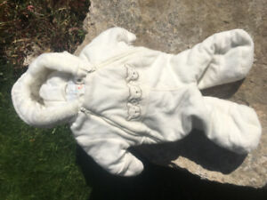 Winter suit for 0-9 month. Super soft and cozy.