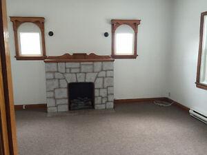 Large, Clean 1 Bedroom Apt.