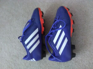Girls size 13 Adidas soccer cleat