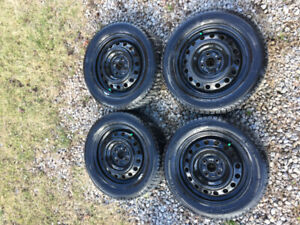 *NEW* MICHELIN X-ICE 185/60R15 - BARELY USED 1 SEASON