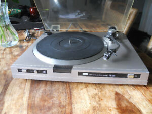 Sansui FR-D25 Turntable