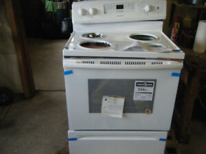 "Brand NEW Amana 30"" 4.8 Cu. Ft Electric Stove"
