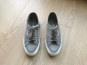 NEW SUPERGA SNEAKERS