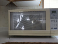Microwave, Sanyo, turntable, white! Still working well!